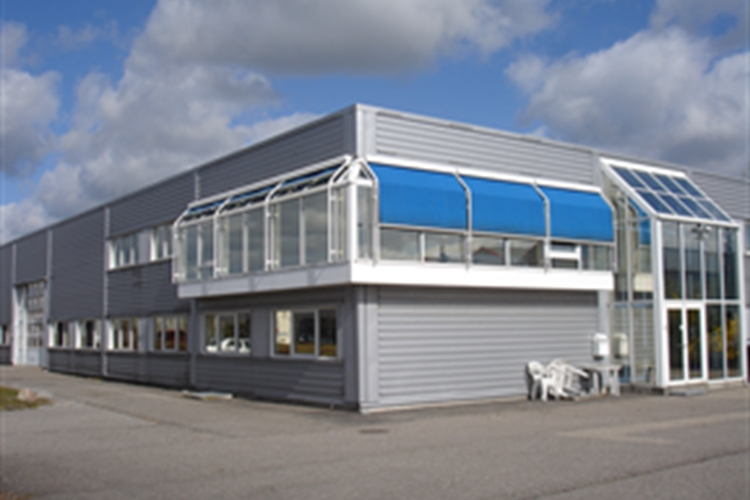 400 - 1100 m2 lager, showroom, produktion i Køge til leje